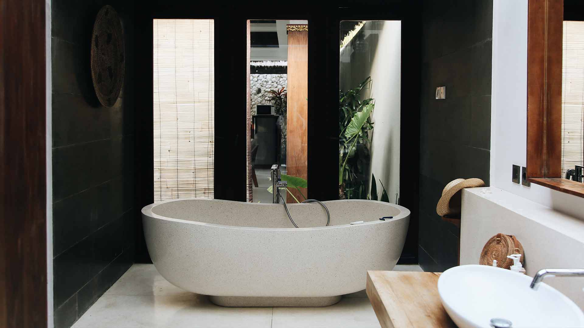 3 Reasons Why You Should Always Work with an Experienced Bathroom Renovator